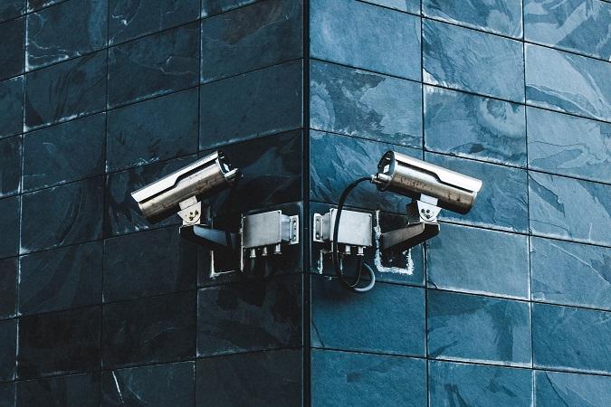 La gestione delle telecamere in azienda deve rispettare i requisiti che il Garante della privacy ha dettagliato nel Provvedimento dell'8 aprile 2010.