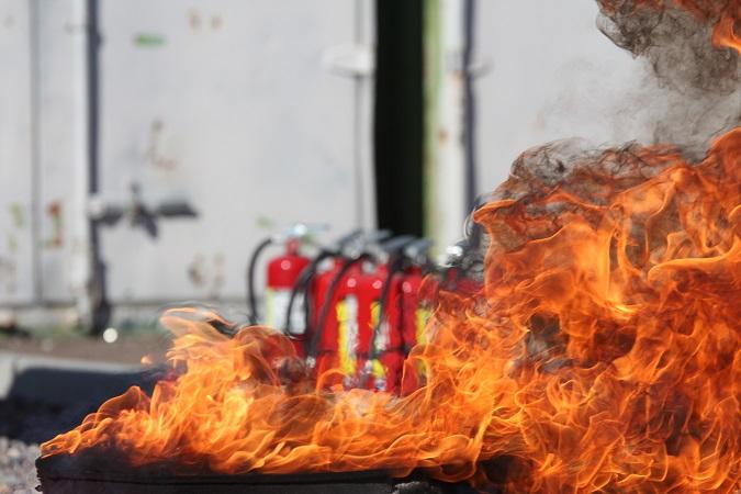 """Il Decreto 10 marzo 1998 ha la """"curiosa"""" caratteristica di definire i contenuti minimi dei corsi di formazione per addetti alla prevenzione incendi, lotta antincendio e gestione delle emergenze in caso di incendio ma di non preoccuparsi di definirne la scadenza."""