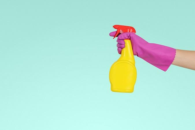 Il Protocollo del 24 aprile e le sue declinazioni di settore parlano in diversi punti delle attività di pulizia e sanificazione.