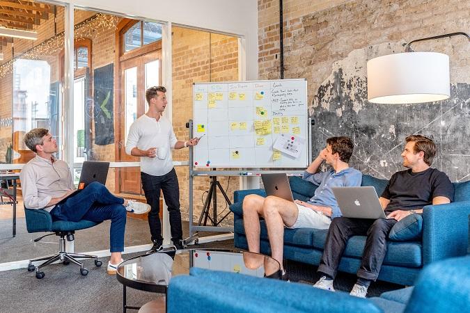 La formazione aziendale è l'attività di formazione i cui contenuti sono costruiti su una realtà aziendale specifica.