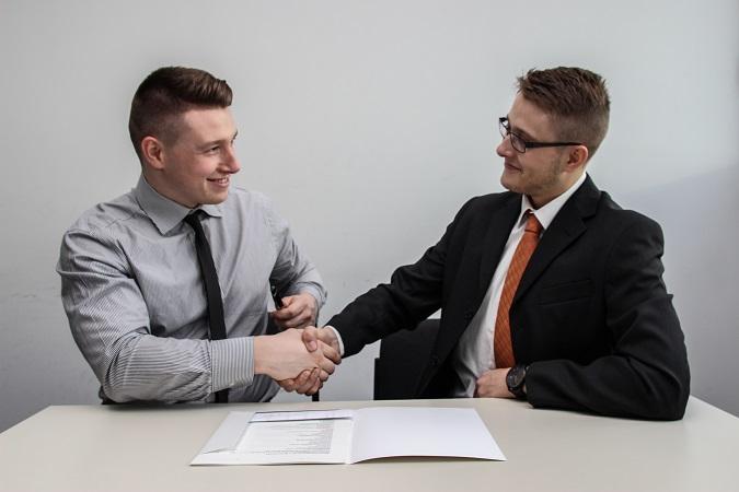 Nell'ambito di un rapporto di lavoro le categorie di dati personali raccolti e trattati dal datore di lavoro sono ampie e non tutte necessarie per adempiere agli obblighi connessi al rapporto di lavoro.
