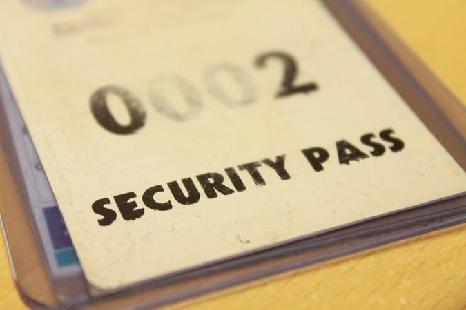 Nei casi in cui è necessario esibire un tesserino di identificazione (nell'ambito dei lavori di appalto), la fototessera diventa un dato personale richiesto per adempiere a un obbligo di legge da parte del datore di lavoro.