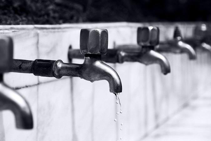 Il rischio da legionella riguarda qualunque attività che utilizzi impianti tecnologici con riscaldamento e nebulizzazione di acqua.