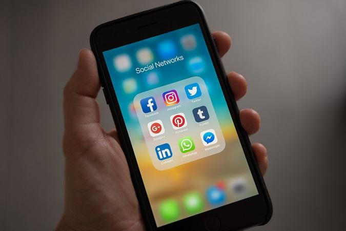 Esaminare i profili social di candidati è un trattamento dati al pari di un eventuale screening periodico dei profili social dei propri dipendenti o collaboratori.