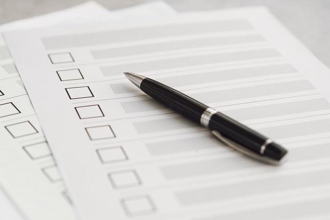 Se il lavoratore dichiara di essere sprovvisto o risulta sprovvisto del certificato verde, seguono delle conseguenze che risulterebbero contestabili in assenza di una prova dell'esito negativo della verifica.
